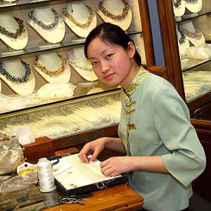 Hongqiao Market, pärlmarknaden i Peking, Porträtt i miljö Foto: Kjell Fredriksson
