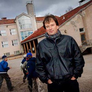 Kjell Westö, finlandssvensk författare, Porträtt i miljö Foto: Kjell Fredriksson