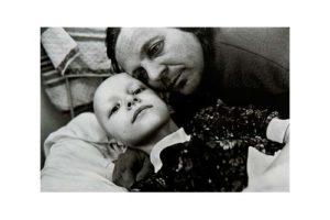 Barn på en cancerklinik i det forna Tjeckoslovakien 4/7, Timglaset barn Foto: Kjell Fredriksson